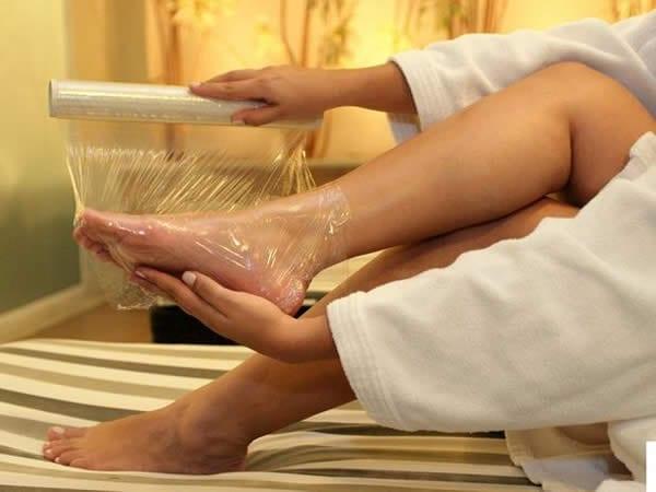 como hidratar os pés