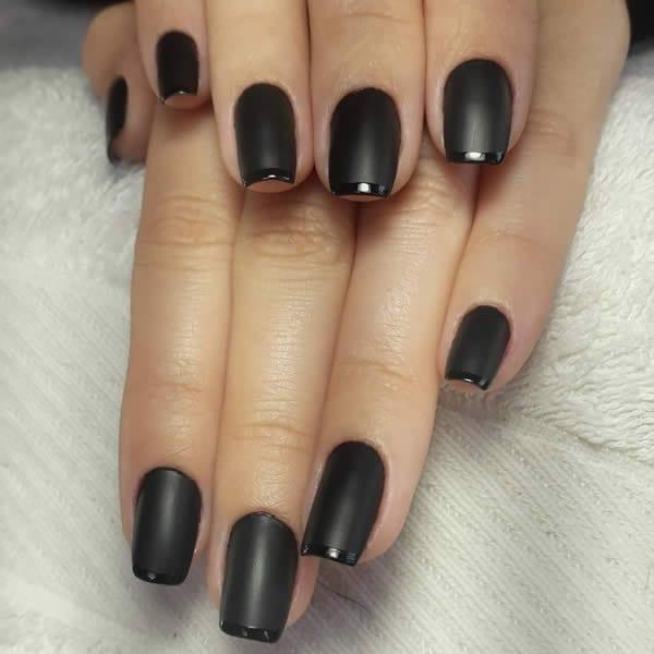 unhas decoradas pretas foscas com inglesinha brilhante