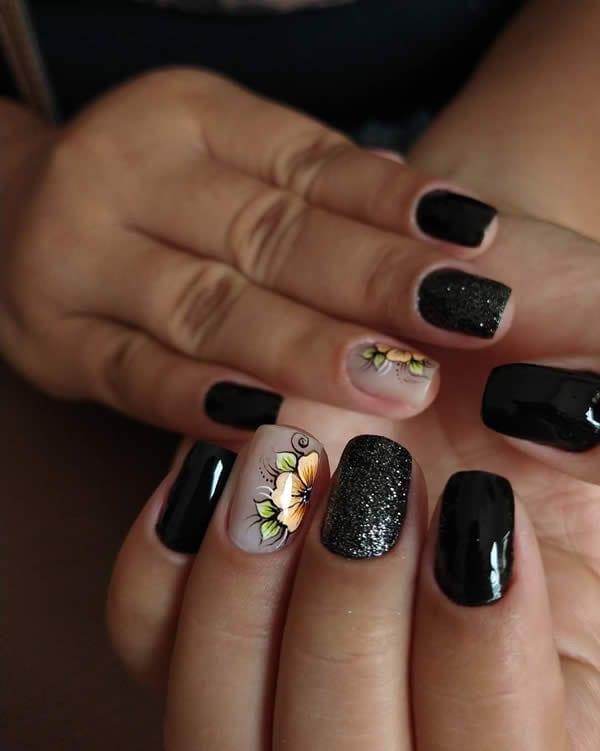 unhas decoradas pretas com adesivo
