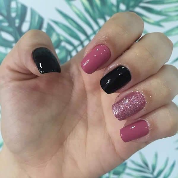 unhas preto e pink