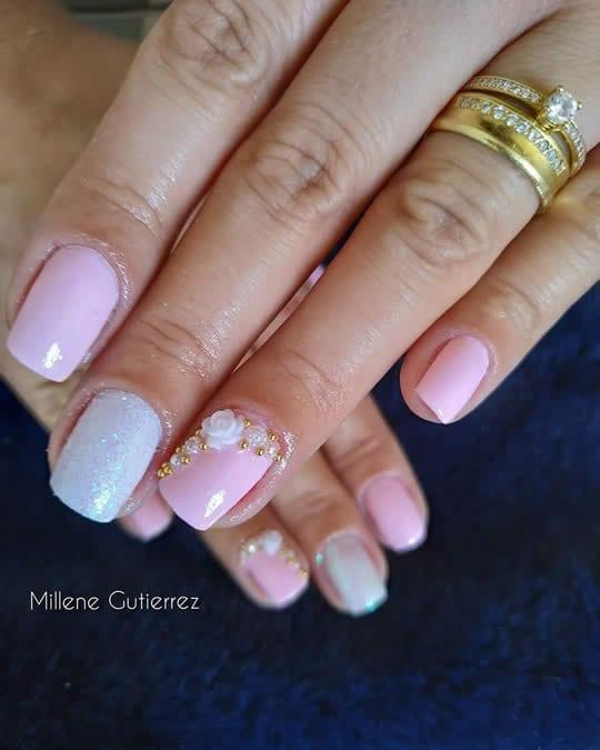 unhas curtas decoradas rosa e branco