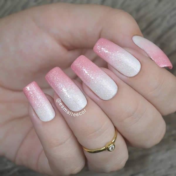 unhas decoradas 2020 branco com rosa e glitter