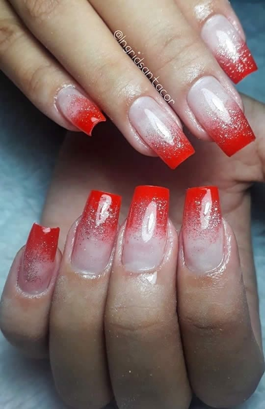 unhas encapsuladas vermelhas