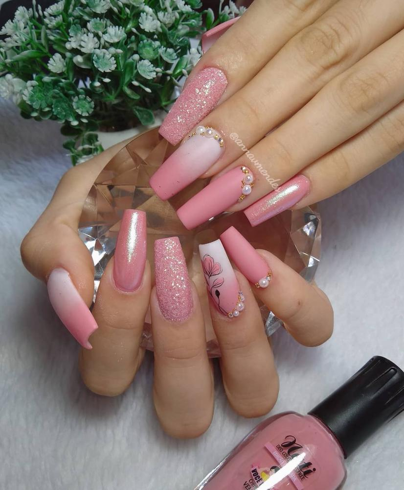 unhas de gel rosa