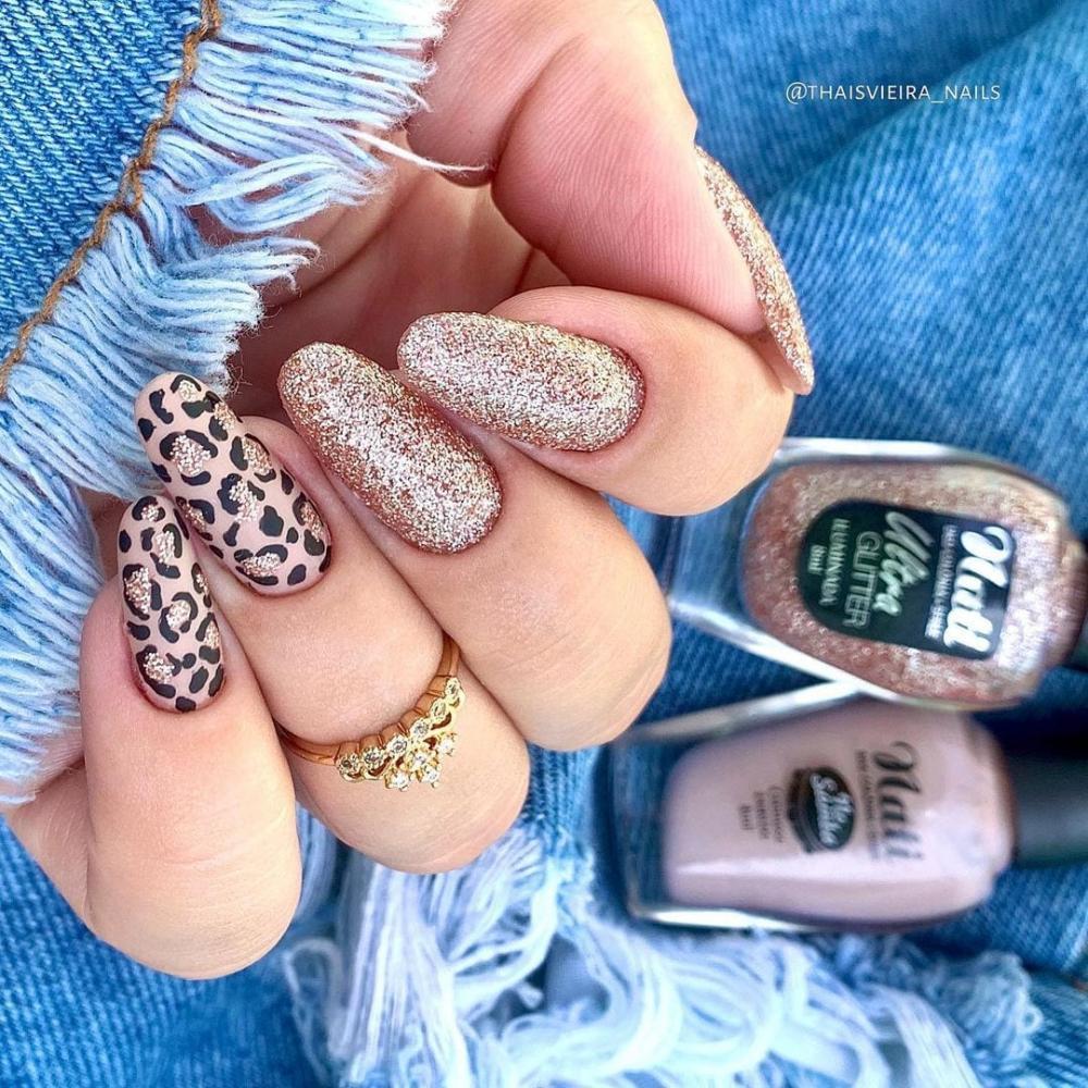 unhas decoradas de oncinha com glitter