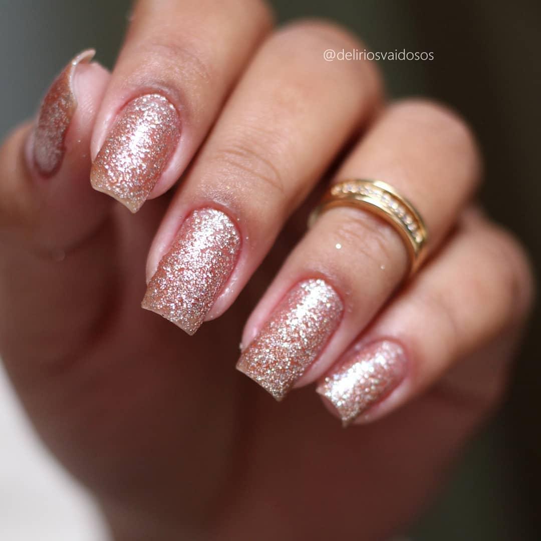 esmaltação com glitter