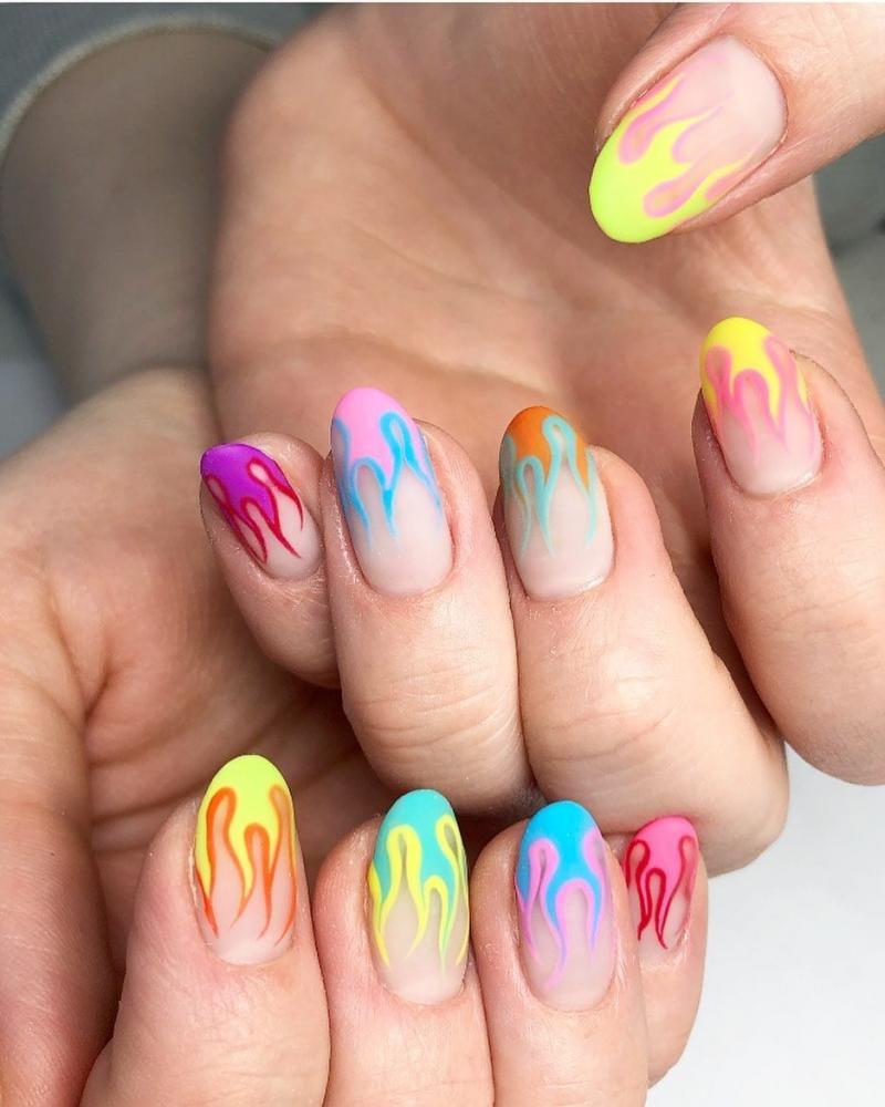 unhas primavera verão 2020 2021 unhas decoradas com fogo colorido fire nails